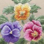 cvety-vyshivka-glad-s-nastilom