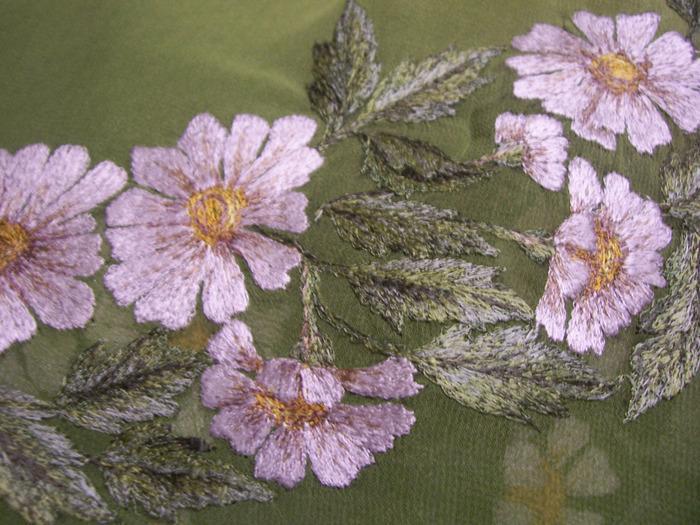 cvety-vyshivka-gladyu-na-shvejnoj-mashinke
